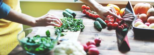 Comment la transmission de la cuisine a évolué avec la société