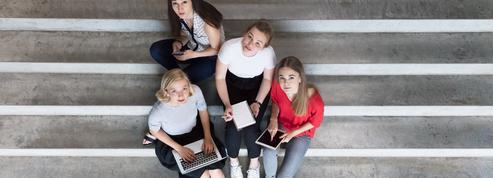 Instagram, Facebook, Snapchat : les adolescentes se déclarent massivement harcelées sur les réseaux sociaux