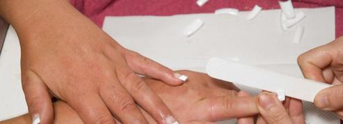 Les ongles artificiels ne sont pas sans risques