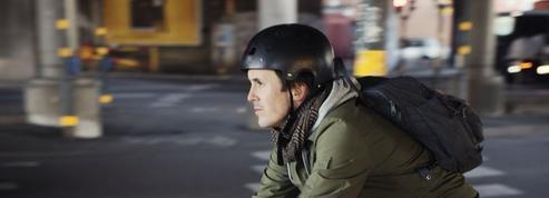 Le port du casque à vélo réduit bien les risques