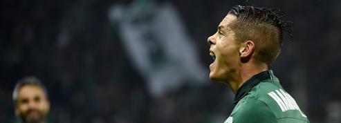 Saint-Etienne s'offre Angers au terme d'un match fou