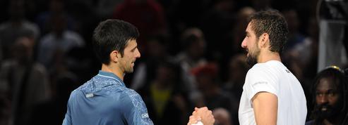 Djokovic souffre mais reste debout