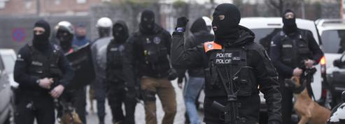 EN DIRECT - Tout ce qu'il faut savoir 24 heures après l'arrestation d'Abdeslam