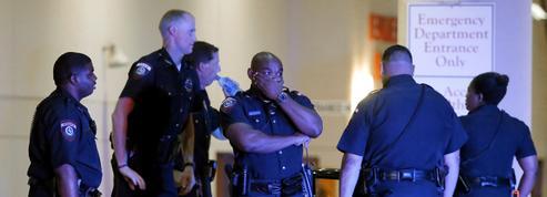 EN DIRECT - Fusillade à Dallas: la piste terroriste exclue, le tireur voulait «tuer des Blancs»