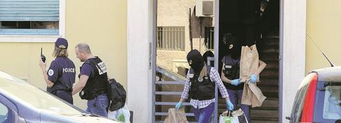 EN DIRECT - Attentat de Nice: le terroriste «sans doute lié à l'islamisme radical»