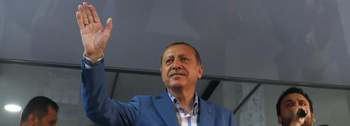 EN DIRECT - Turquie : les partisans d'Erdogan célèbrent l'échec du putsch