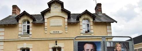 Présidentielle : Macron et Le Pen dans l'attente des résultats