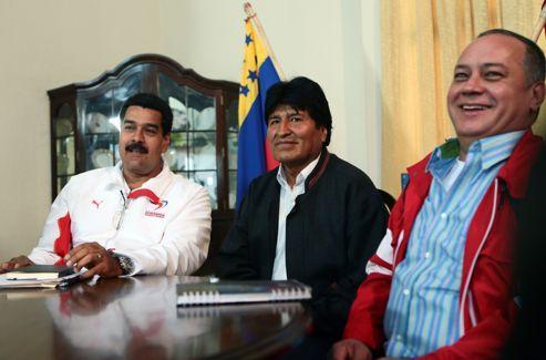 À gauche, Nicolas Maduro, vice-président du Venezuela, au centre Evo Morales, président de la Bolivie.