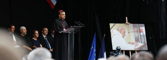 Mgr Dominique Lebrun, archevêque de Rouen, a pris la parole durant l'hommage rendu au père Jacques Hamel, jeudi, à Saint-Étienne-du-Rouvray.