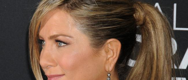 Le shampoing (pour chevaux) de Jennifer Aniston débarque chez Monoprix