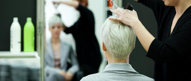 Pourquoi on va chez le coiffeur à chaque tournant de vie ?