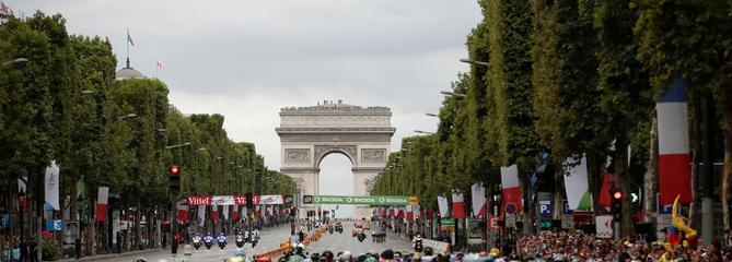 Tour de France en direct : Explication finale sur les Champs-Elysées et sous la pluie