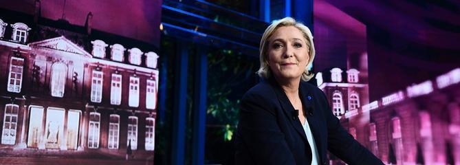 Marine Le Pen mardi soir sur le plateau de TF1.