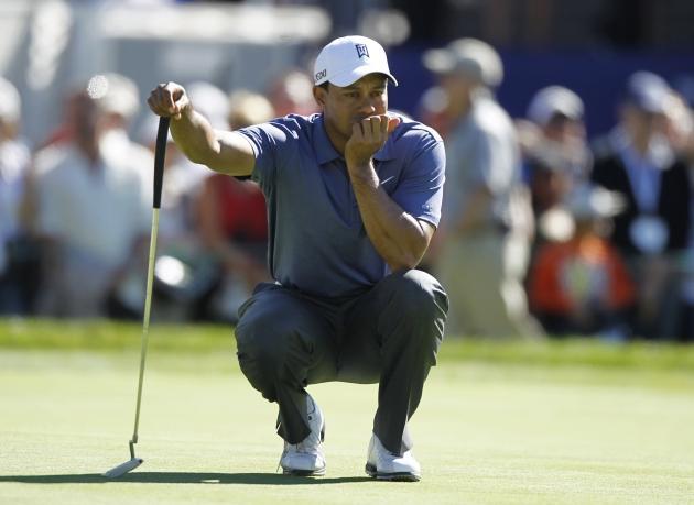 28 janvier. 2e tour du Farmers Insurance Open (PGA Tour) à Torrey Pines. Soucieux, Tiger Woods ne peut faire mieux qu'une 44e place, finissant à 15 coups du vainqueur, Bubba Watson... (Reuters)