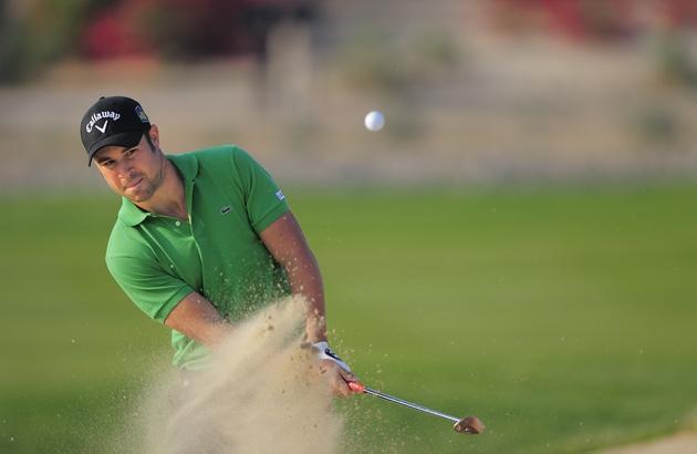28 janvier. Abu Dhabi (European Tour). Le Français Jean-Baptiste Gonnet réalise un excellent parcours dans le premier des trois tournois du Swing Desert. Le Cannois, qui joue la gagne durant trois tours, craque le dimanche mais prend une superbe 12e place. La semaine suivante, il signe un top 5 au Qatar avant d'enchaîner par une 6e place à l'Avantha Masters le 19 février ! (F.Froger/D3s)