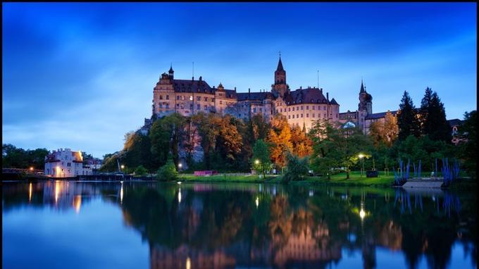 Le Danube prend vraiment ses lettres de noblesse à Sigmaringen au pied du château, construit au XIe siècle.