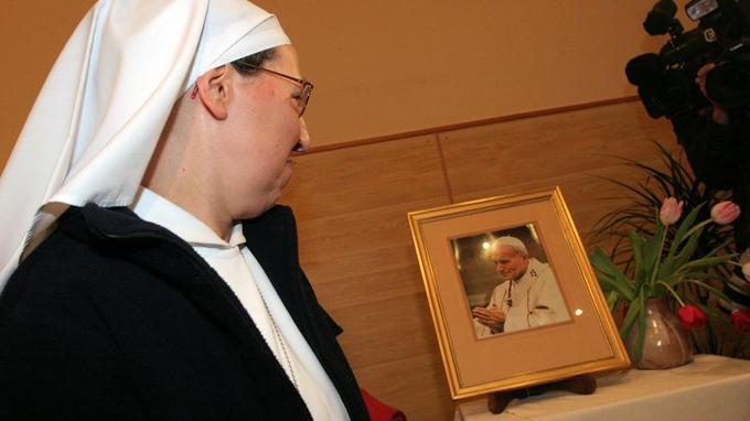 Soeur Marie Simon-Pierre, ici à Aix-en-Provence en 2011, a guéri miraculeusement de la maladie de Parkinson, deux mois après la mort du pape Jean-Paul II en 2005.