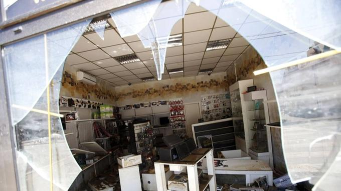 Un magasin dévasté de la ville d'Obrevenac.