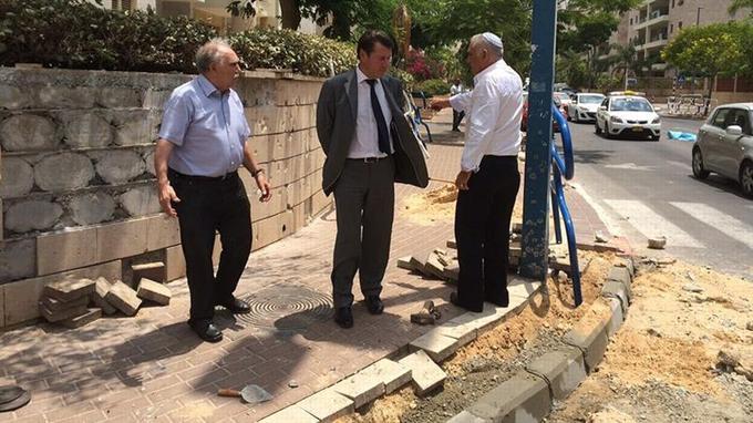 Christian Estrosi à Ashkelon le 20 juillet 2014 (Photo issue de son profil Facebook)