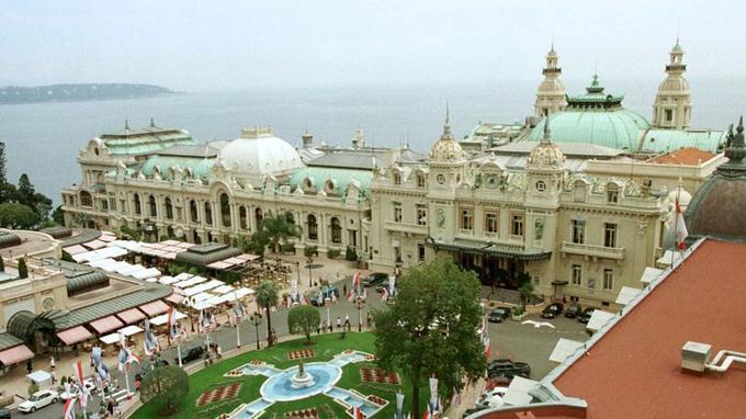 A Monaco, un habitant sur 3 est millionnaire: la ville compte la plus grande concentration de millionnaires au monde.
