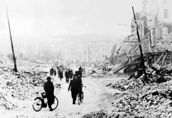 La rue de Paris, au Havre, en septembre 1944.