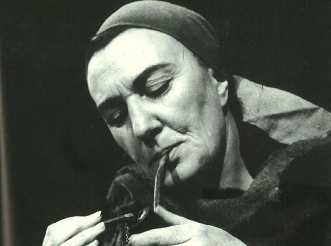 Hélène Duc dans <i>Mère Courage et ses enfants</i> de Bertolt Brecht. Elle joua sa pièce fétiche en 1959, 1962, 1963 et 1965.