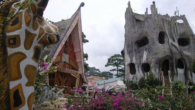 Vue d'ensemble de la maison d'hôte. (Crédit: Tom Ravenscroft/Wikipédia)