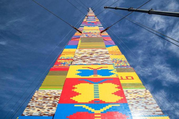 Une tour en Lego de 36 mètres, un record