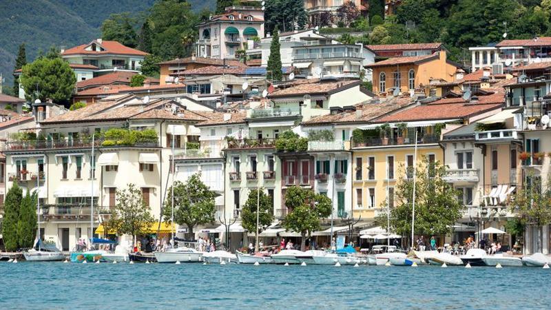 Populaire L'île de Garde, une leçon d'Italie GQ01