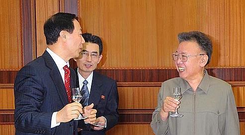 Kim Jong-il réapparaît, démentant les rumeurs