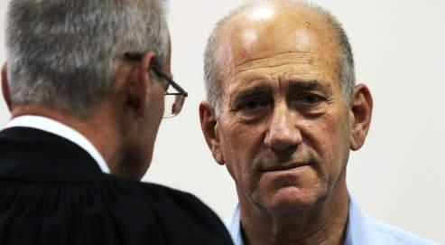 Israël juge son ancien premier ministre Ehoud Olmert