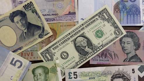 Yen et franc suisse toujours plus forts, euro chahuté