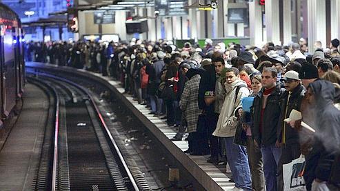 Grève : un TGV sur deux, le trafic des RER perturbé
