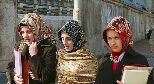 En Turquie, le voile islamique fait sa rentrée universitaire