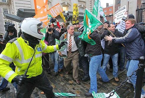 Le Parlement irlandais sera dissous en janvier