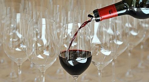 Bordeaux 2010: le gourou du vin craint des prix trop élevés