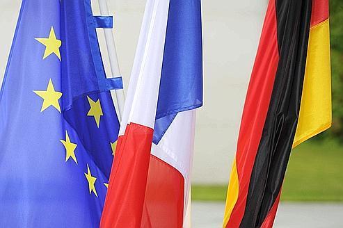 Crise : Paris et Berlin pressent Rome et Madrid