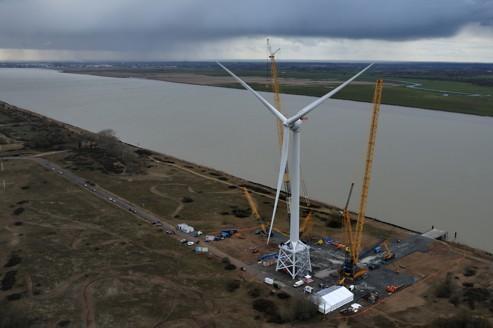 Alstom et Areva s'affrontent avec leurs éoliennes marines