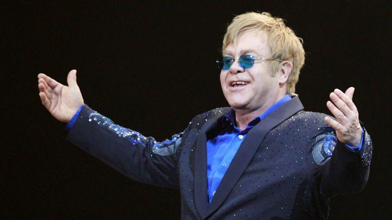Elton John, malade, reporte sa tournée européenne