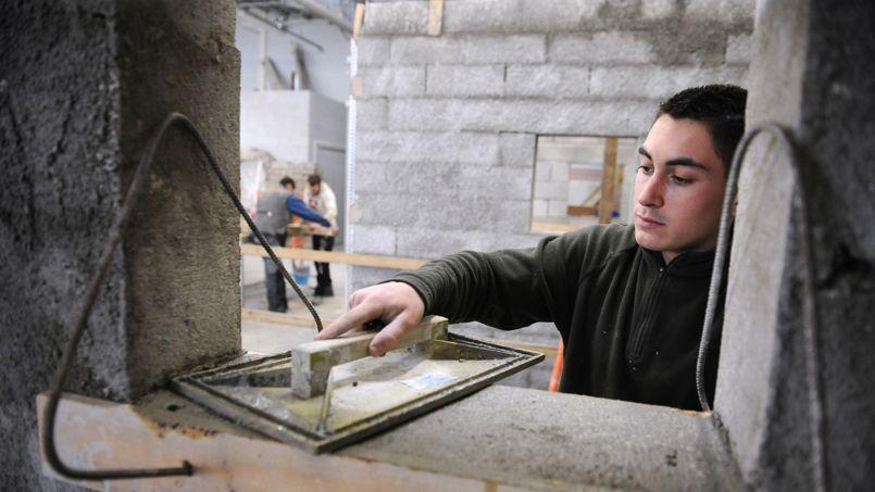 Des mesures existent déjà pour réduire le coût du travail des jeunes