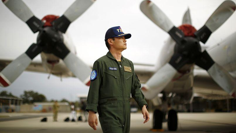 Le Japon n'exclut plus d'utiliser ses forces armées