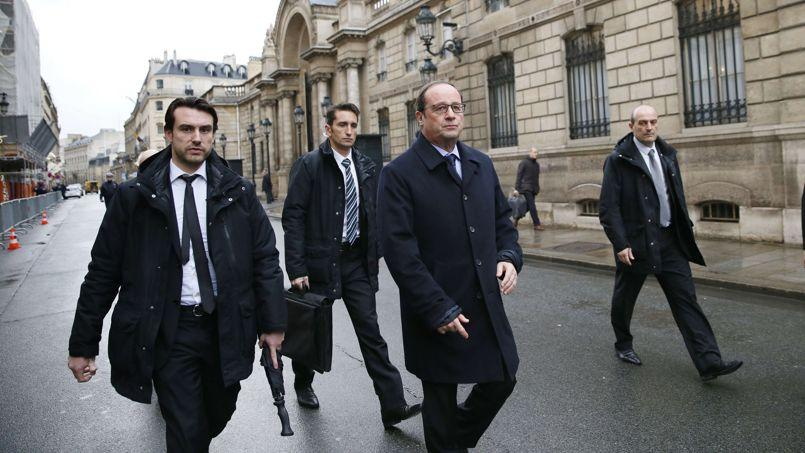 Hollande appelle à «se lever» contre le terrorisme