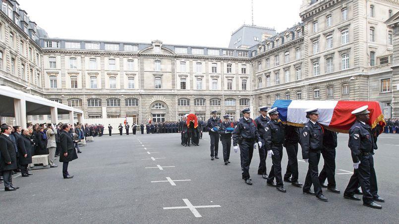 L'hommage aux trois policiers assassinés