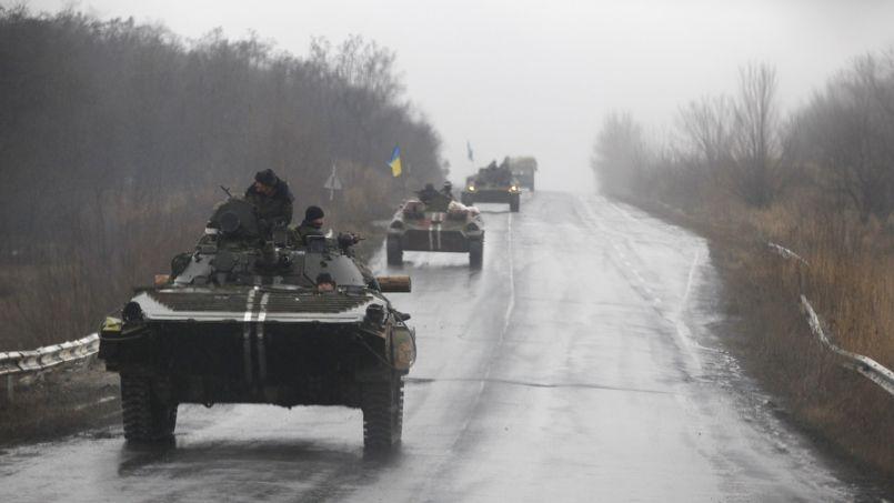 Un char ukrainien dans les rues d'Artemivsk.
