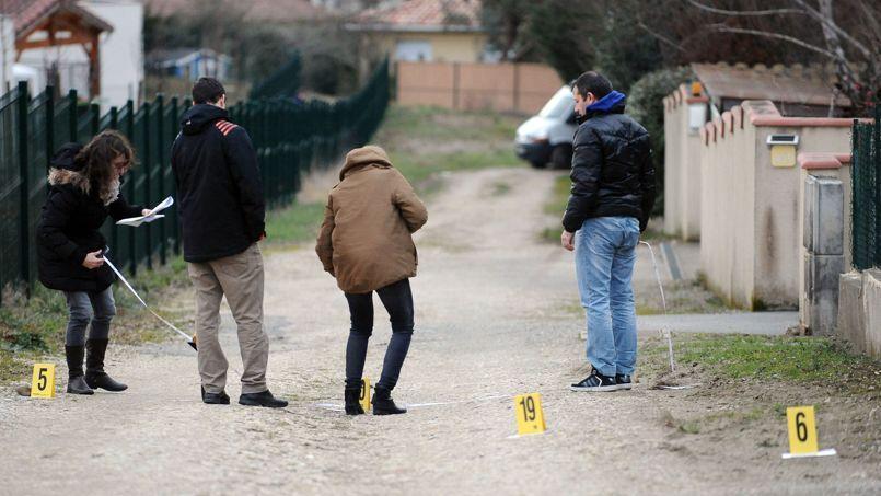 Les policiers préparent la reconstitution du drame