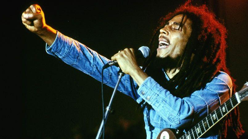 Un tribunal de New York vient d'interdire la vente de tee-shirts à l'effigie de Bob Marley. L'entreprise de confection n'a vait pas demandé l'autorisation à ses héritiers.