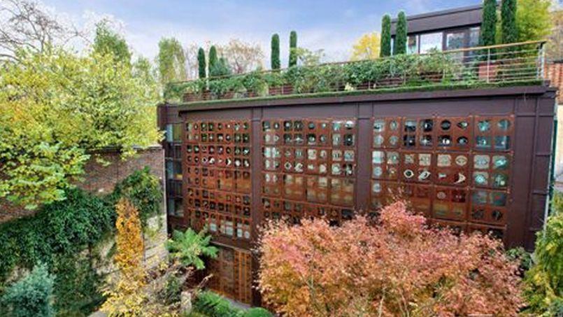 Cliché de l'hôtel particulier de Gérard Depardieu dans le catalogue de l'agence immobilère chargée de le vendre.