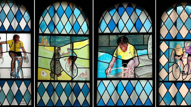 """Résultat de recherche d'images pour """"vitraux notre dame des cyclistes"""""""