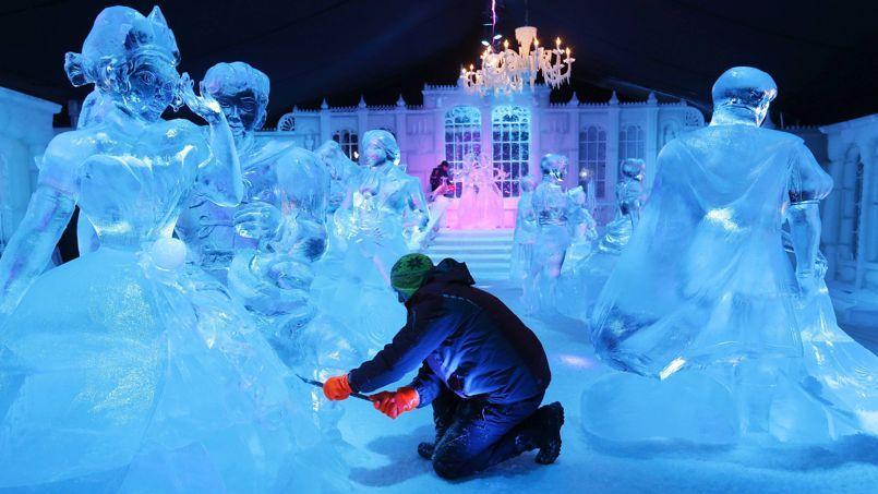 la reine des neiges et sa cour de glace bruges