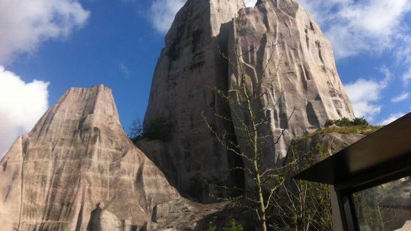 Le célèbre rocher orne toujours le coeur du parc.